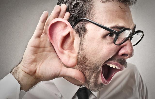 Чому закладає вуха в літаку і не проходить: що робити