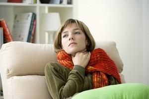 Компрес при ангіні на горло: чи можна робити і як правильно