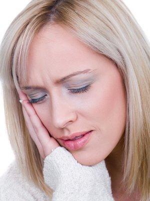 Болить вухо: що робити, як і чим лікувати в домашніх умовах
