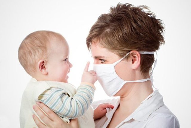 Що можна капати в ніс мамі, що годує при нежиті?