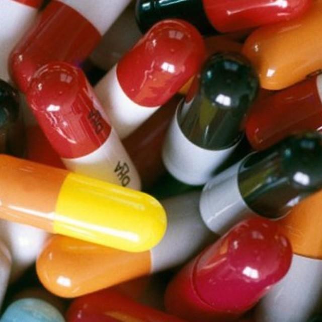 Антибіотики при отиті у дорослих і дітей: які краще приймати