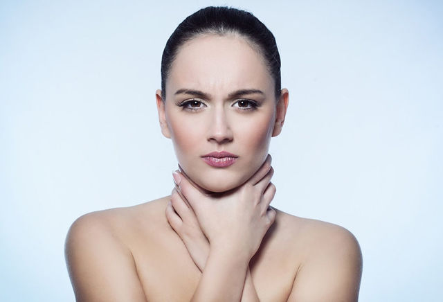 Болить горло після ФГДС: що робити, причини і лікування