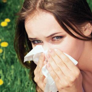 Болить горло, голова: чим лікувати у дорослих і дітей, якщо немає температури