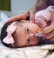 Чим промивати ніс при нежиті в домашніх умовах дорослим і дітям