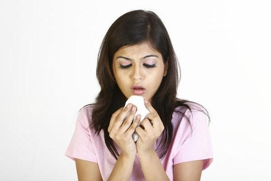 Кашель з кров'ю при застуді: причини, симптоми і методи лікування