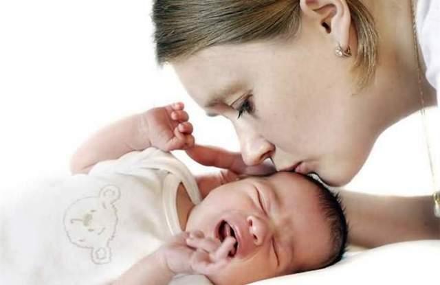 У немовляти закладений ніс: що робити, причини і як лікувати
