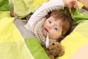 Скільки при ангіні тримається температура у дитини і дорослого?
