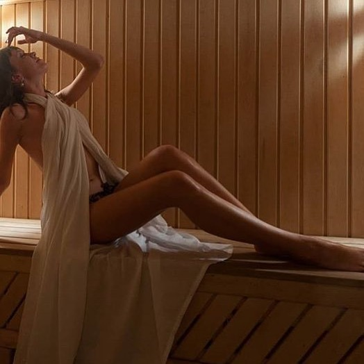 Чи можна при ангіні митися, ходити в лазню і парити ноги