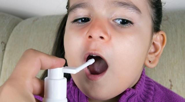 «Йокс» спрей: інструкція із застосування для дітей і дорослих, склад і аналоги