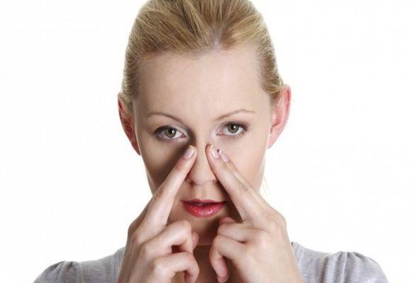 Часник в ніс при нежиті і гаймориті для лікування, чи можна?