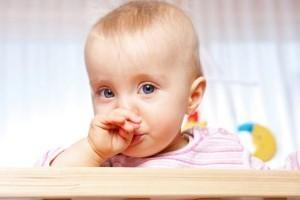 Густі соплі у дитини: чим лікувати, якщо не висмарківаться