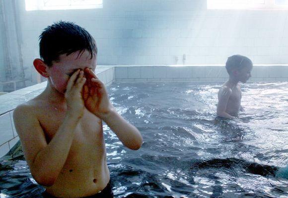 Чи можна ходити в басейн з нежиттю і соплями?